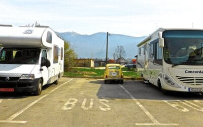 Going on Tour? Things to Consider Before Choosing a Vehicle