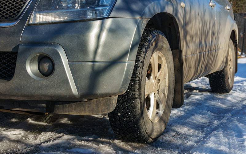 How to Avoid the Dangers Old Tires